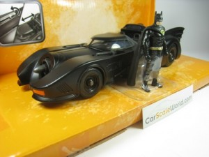 BATMOBILE BATMAN CAR + FIGURE 1/24 JADA TOYS