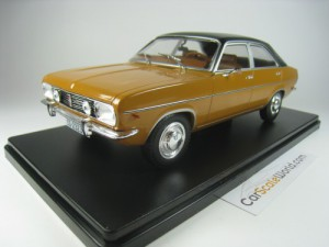 CHRYSLER 180 1975 1/24 IXO SALVAT (GOLD) WITH BLIS