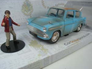 FORD ANGLIA 1959 WITH HARRY POTTER FIGURE 1/24 JAD