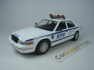 FORD CROWN VICTORIA NYPD USA NEW YORK 1/43 IXO DEA