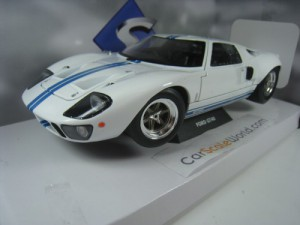 FORD GT40 1968 WIDEBODY 1/18 SOLIDO (WHITE/BLUE)