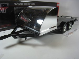 FOUR WHEEL OPEN CAR HAULER 1/18 AUTOWORLD (CHROME)