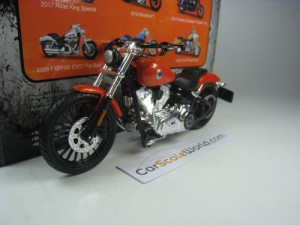 HARLEY DAVIDSON BREAKOUT 2016 1/18 MAISTO (ORANGE)