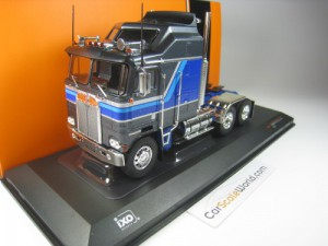 KENWORTH K100 AERODYNE 1976 1/43 IXO (GREY/BLUE)