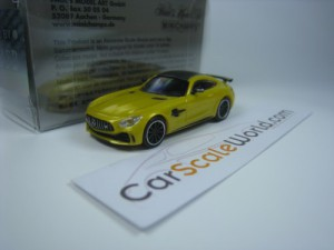 MERCEDES BENZ AMG GT-R 2017 1/87 MINICHAMPS (YELLO