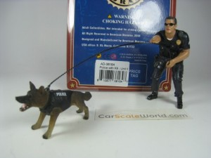POLICE WITH K9 - UNIT II - POLICEMEN + DOG FIGURES